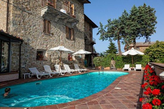 Tangosommerferie i Umbrien med smuk natur og godt selskab